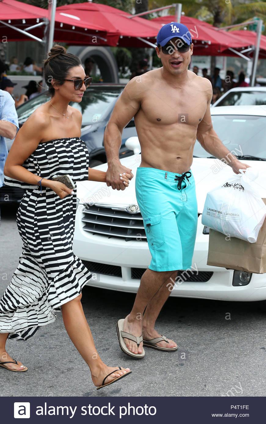 Mario Lopez Gay Wife