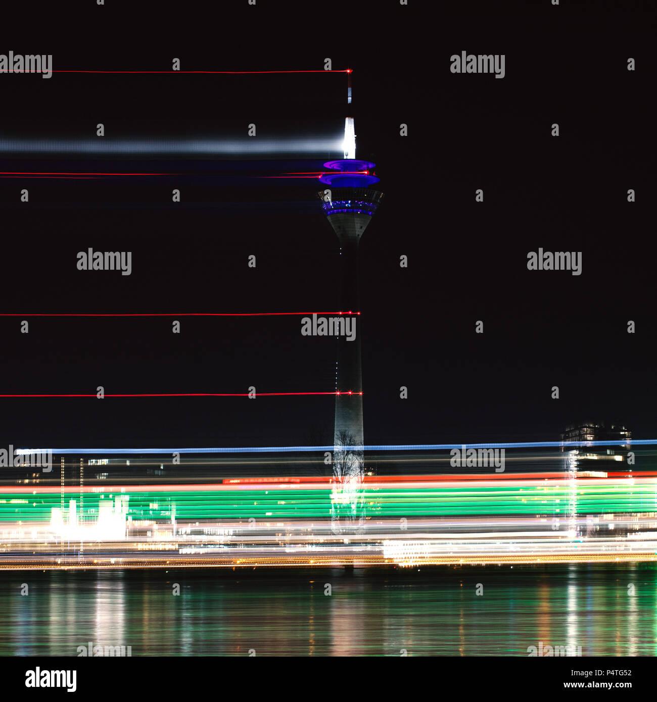 City by night, Düsseldorf, Duesseldorf, Rheinkniebrücke, Rhine - Stock Image