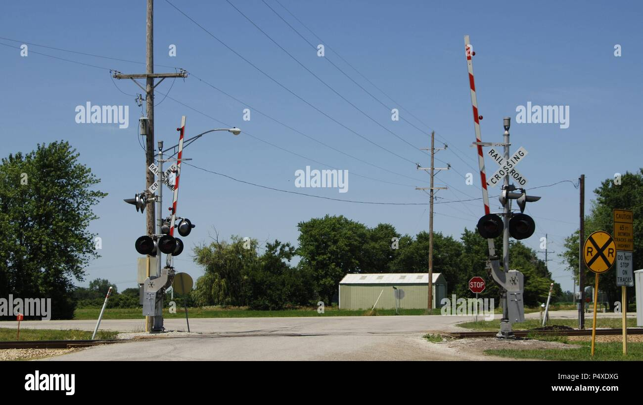 Cables Pole Tower Electric Train Stock Photos & Cables Pole Tower ...