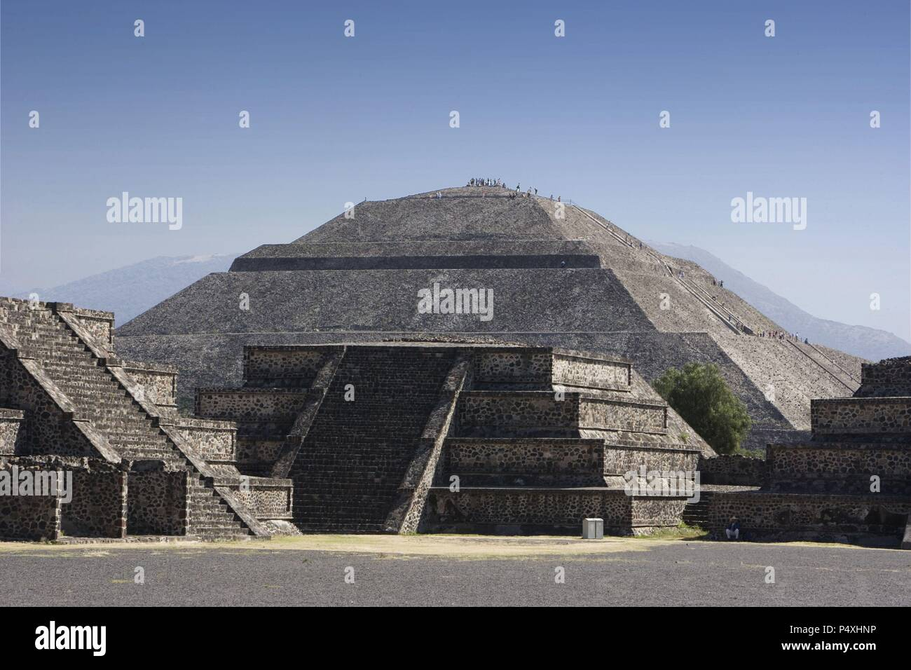 ARTE PRECOLOMBINO. MEXICO. SITIO ARQUEOLOGICO DE TEOTIHUACAN. Vista de la PIRAMIDE DEL SOL. Declarado Patrimonio de la Humanidad por la UNESCO. - Stock Image