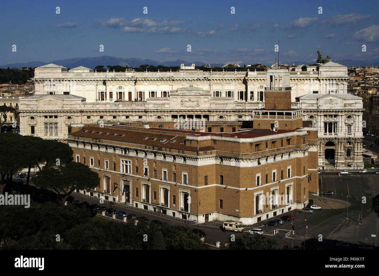 Italy. Rome. The Palace of Justice, seat of the Supreme Court of Cassation and the Judicial Public Library. Designed by Guglielmo Calderini and built between 1888 and 1910. - Stock Image