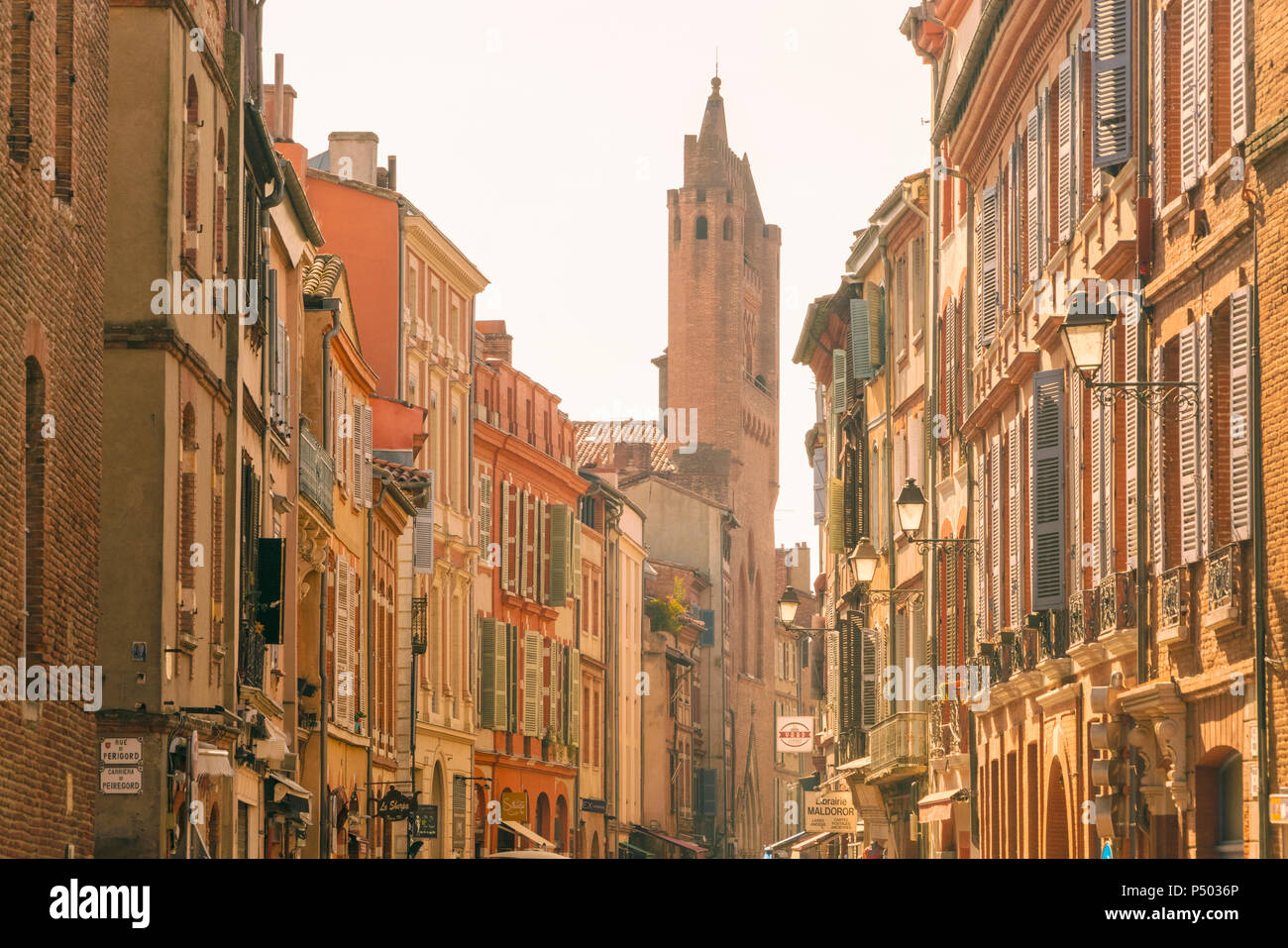 France, Haute-Garonne, Toulouse, Old town, old houses and Basilica of Saint Sernin - Stock Image