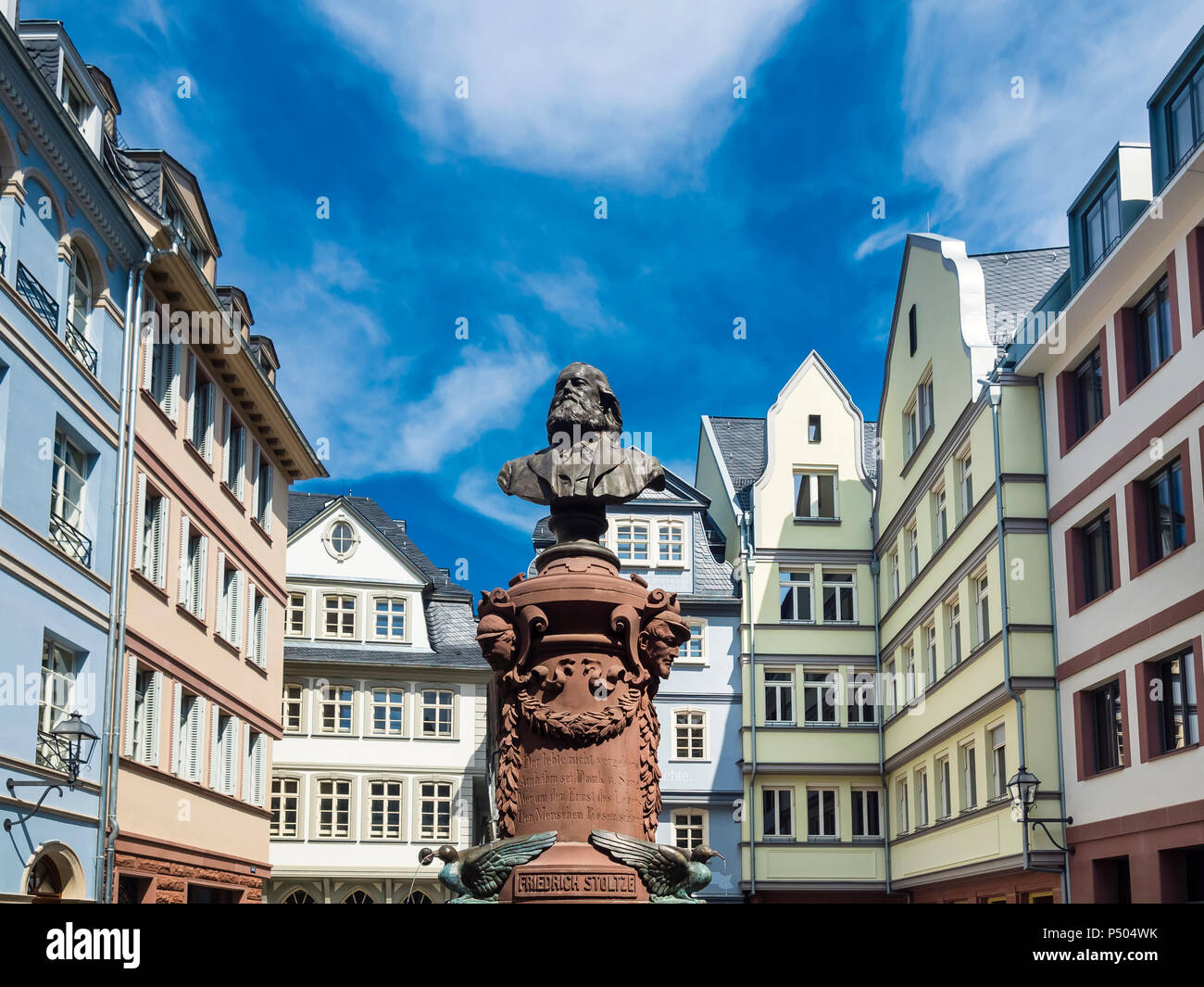 Germany, Hesse, Frankfurt, Old town, reconstructions of houses, bust of Friedrich Stoltze - Stock Image