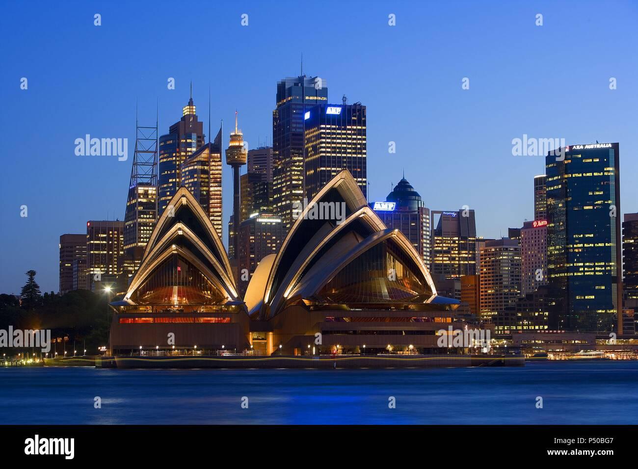 Australia Sidney Panoramica De La Ciudad Al Anochecer Con La