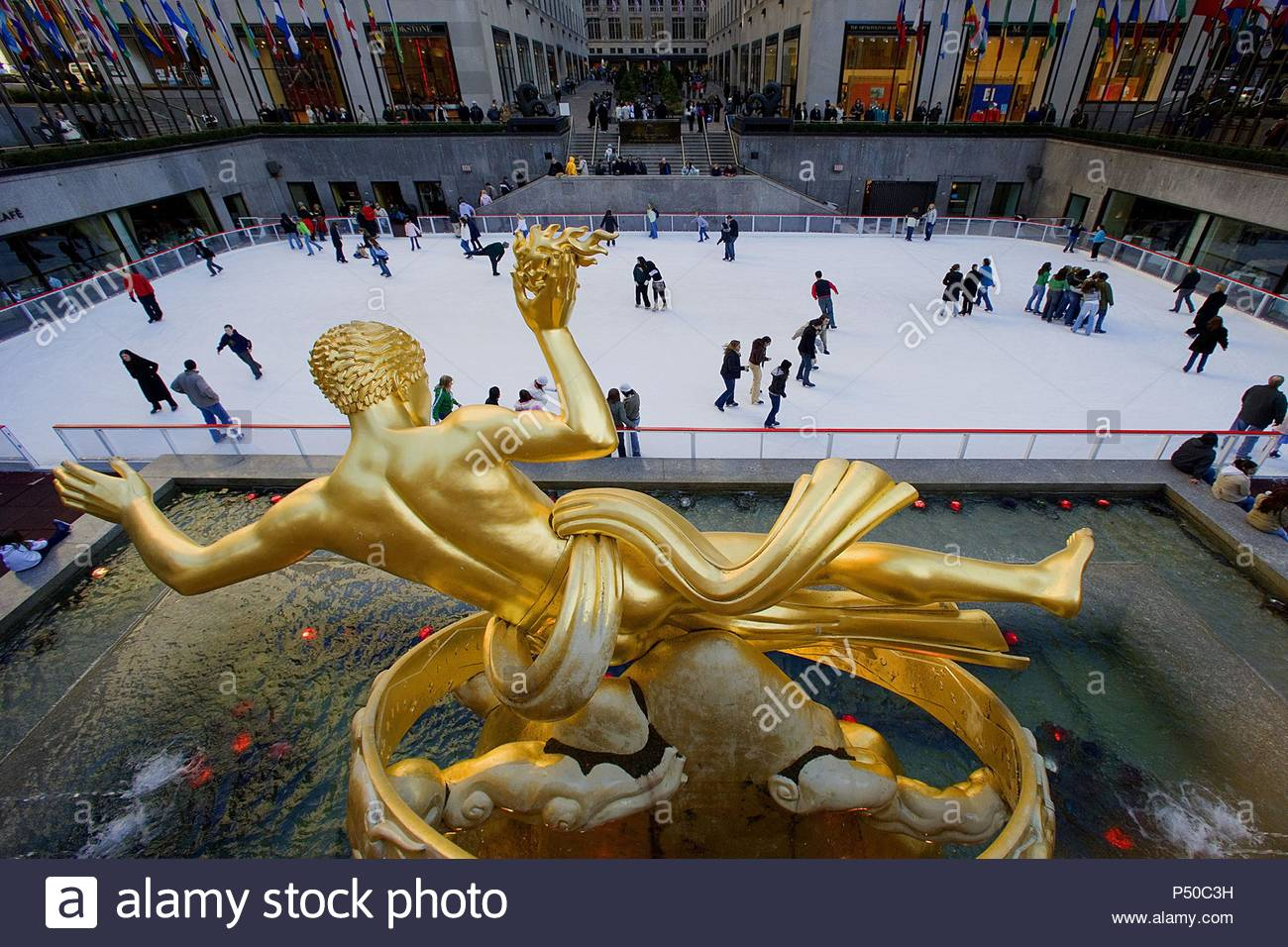 Prometheus steals the fire to the gods of Olympus by Paul Marship, 1934. Rockefeller Center. Manhattan. New York. United States. - Stock Image