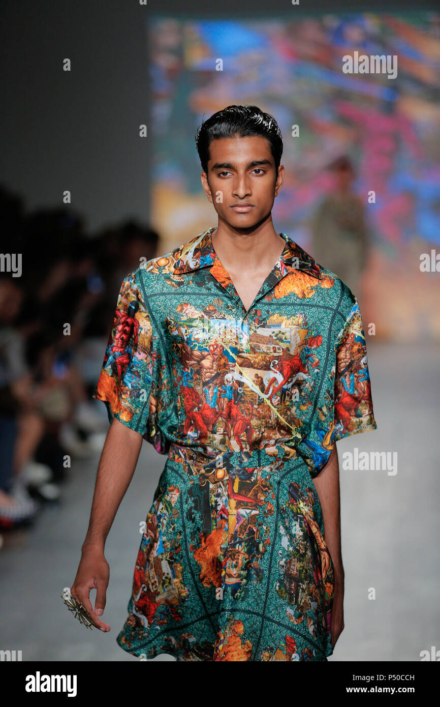 London Fashion Week Mens June 2018 Edward Crutchley Spring Summer