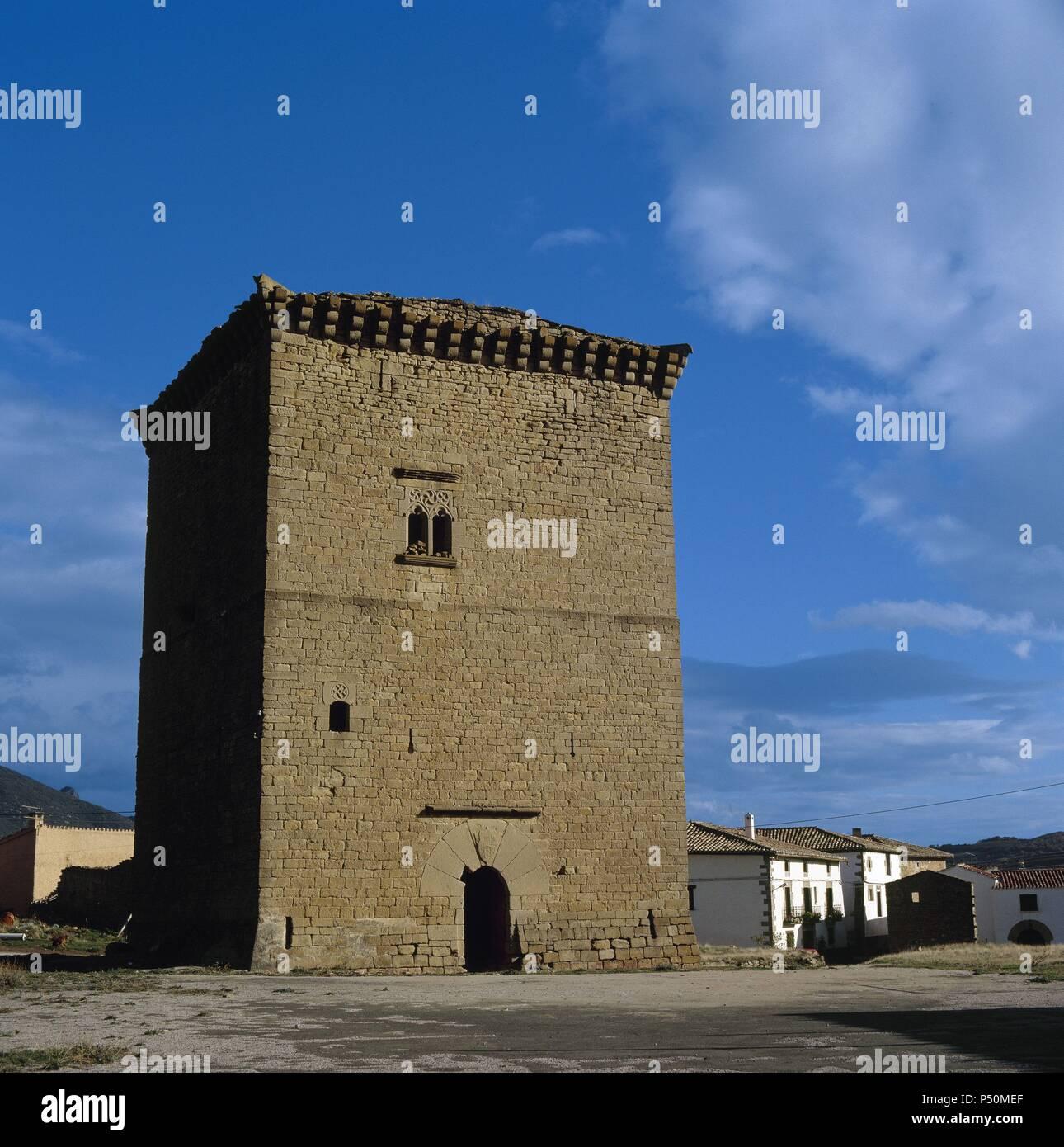 NAVARRA. OLCOZ. Vista de la TORRE FORTIFICADA de la villa. España. - Stock Image