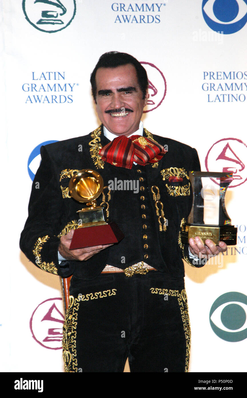 King Versus California King >> Vicente Fernandez Stock Photos & Vicente Fernandez Stock ...