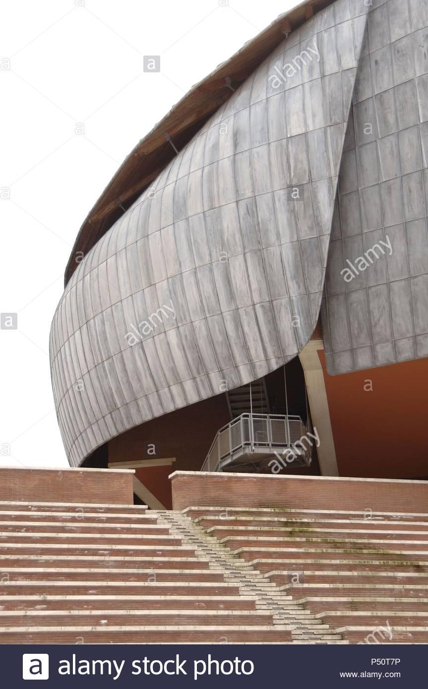 Italy. Rome. Auditorium Parco della Musica. Multi-functional public music complex. Designed by italian architect Renzo Piano (b.1937). Exterior. - Stock Image