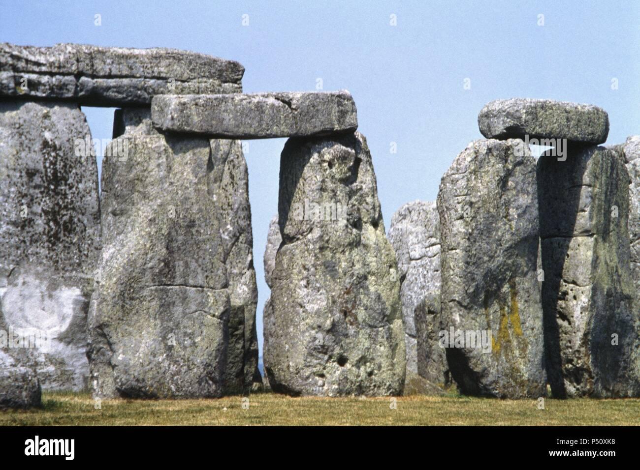 ARTE PREHISTORICO. NEOLITICO. REINO UNIDO. STONEHENGE (2800-1550 a. C.). OBSERVATORIO ASTRONOMICO O SANTUARIO SOLAR. Monumento megalítico de estructura circular (100 m. de diámetro). Presenta varias fases constructivas realizadas durante el neolítico final y la Edad del Bronce inicial. Vista parcial. WILTSHIRE. - Stock Image