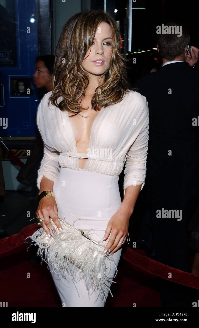 209d312c6ea Kate Beckinsale arriving at the