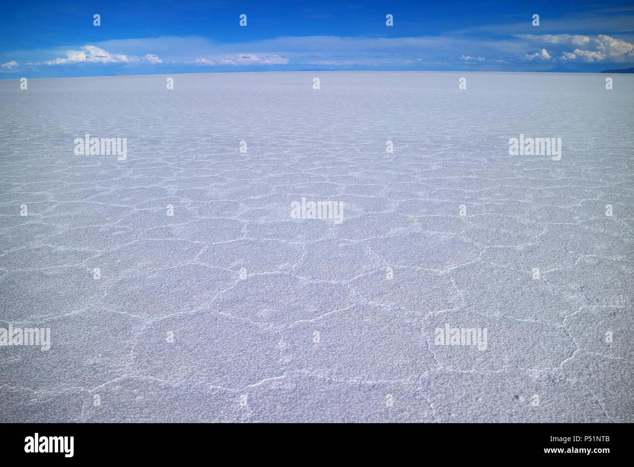 Salar de Uyuni, the world's largest salts flat, UNESCO World Heritage site in Bolivia, South America - Stock Image