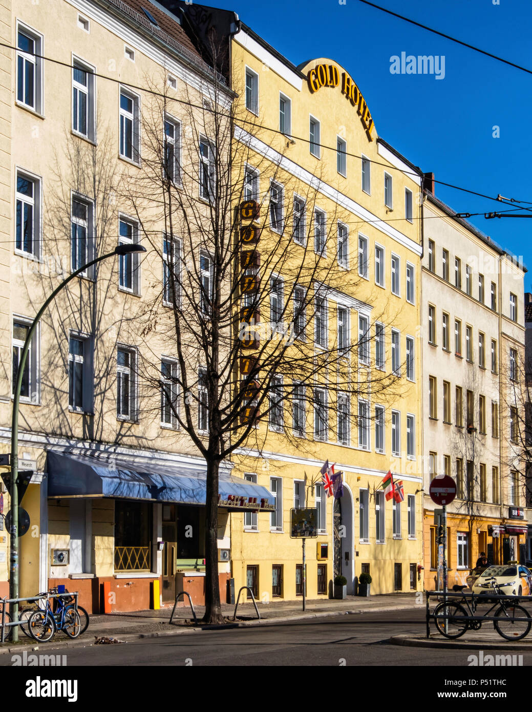 Berlin,Friedrichshain, Gold Hotel Building exterior. Accommodation for travellers - Stock Image