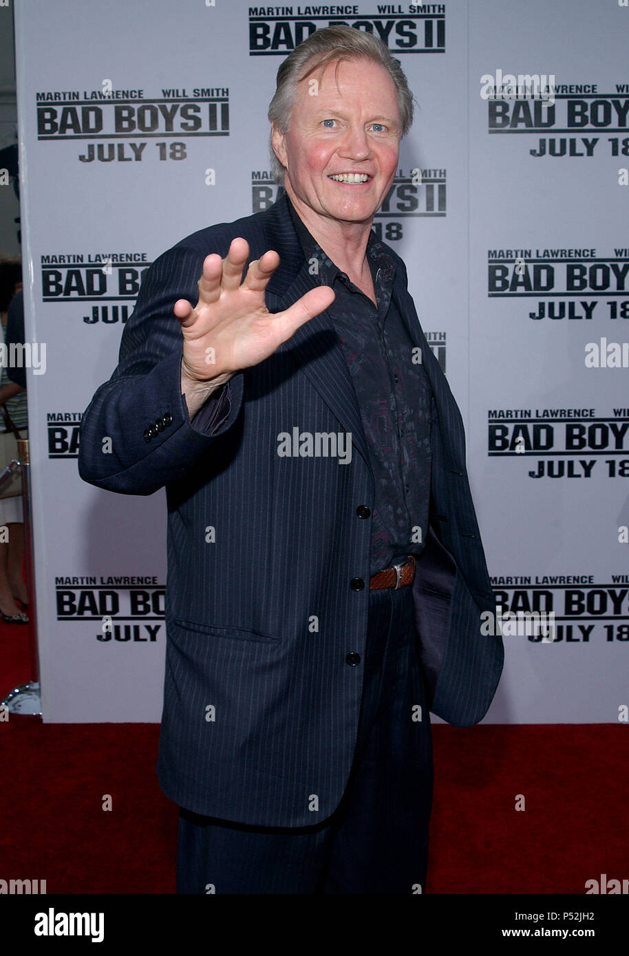 Jon Voight arriving at the Premiere of
