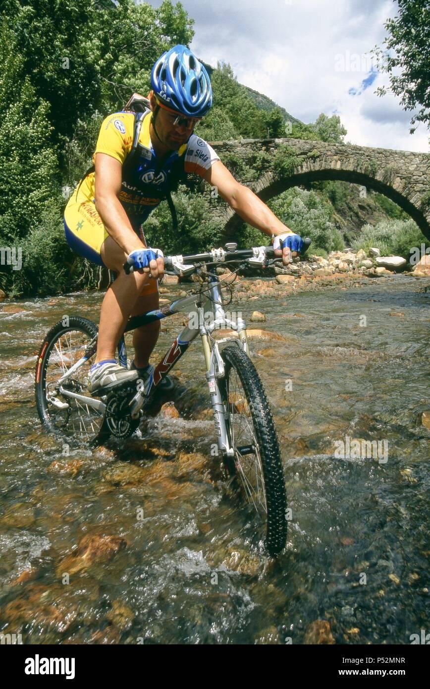 Mountain-bike in the Benasque Valley. Ribagorza. Huesca. Spain. - Stock Image