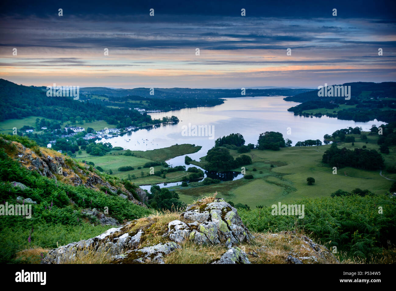 Classic view of Lake Windermere from Loughrigg Fell, Ambleside, Lake District, Cumbria, England - Stock Image
