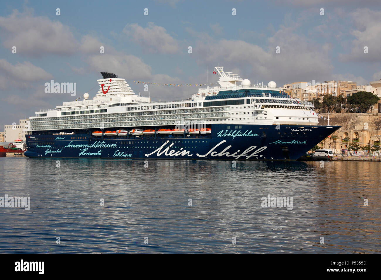 The TUI Cruises cruise ship Mein Schiff 2 in Malta's Grand Harbour. Travel and tourism in the Mediterranean Sea. - Stock Image