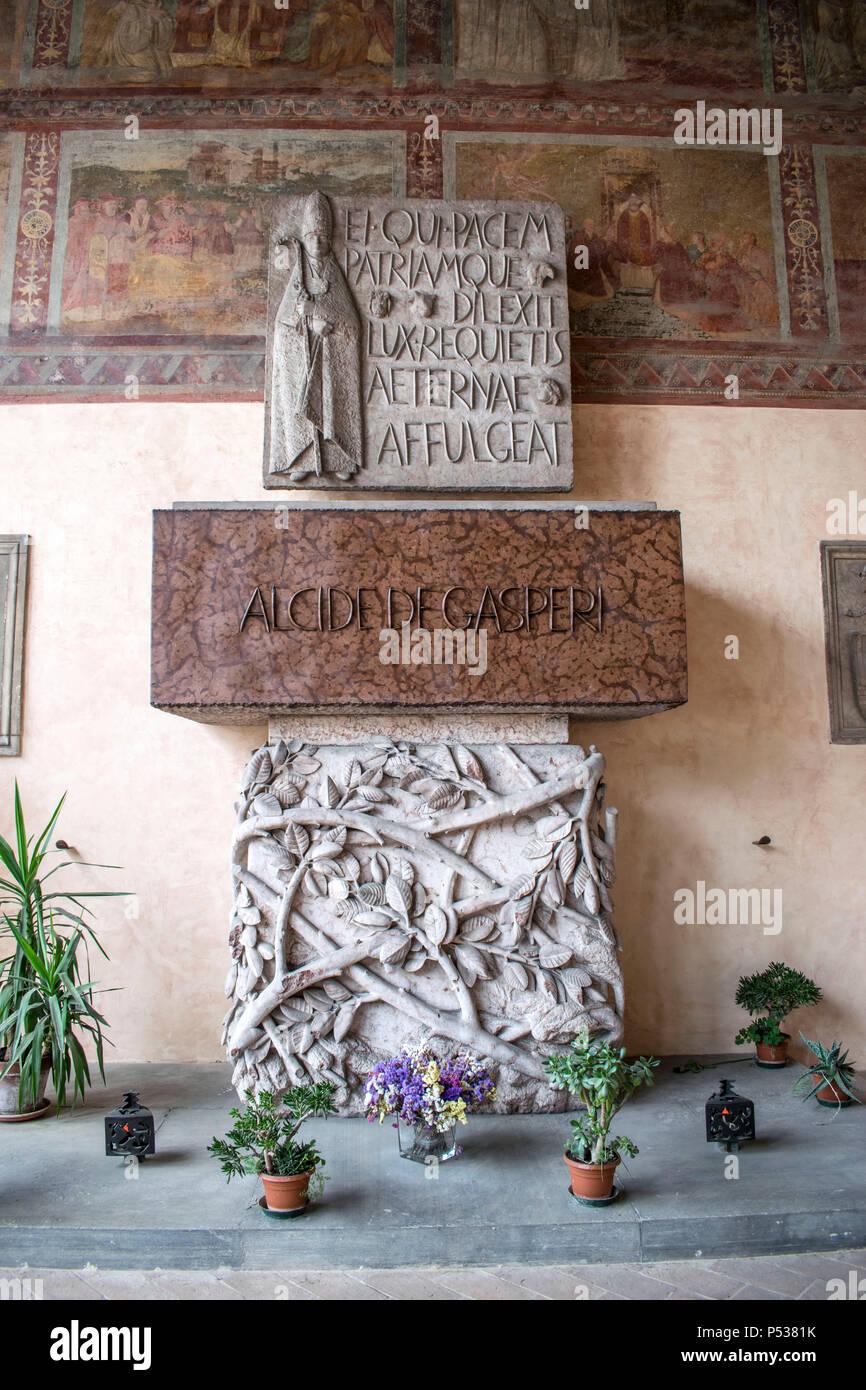 tomb of Alcide De Gasperi, Basilica di San Lorenzo al Verano - Stock Image