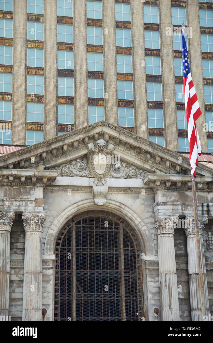 Detroits Michigan Central Station (Images of America)