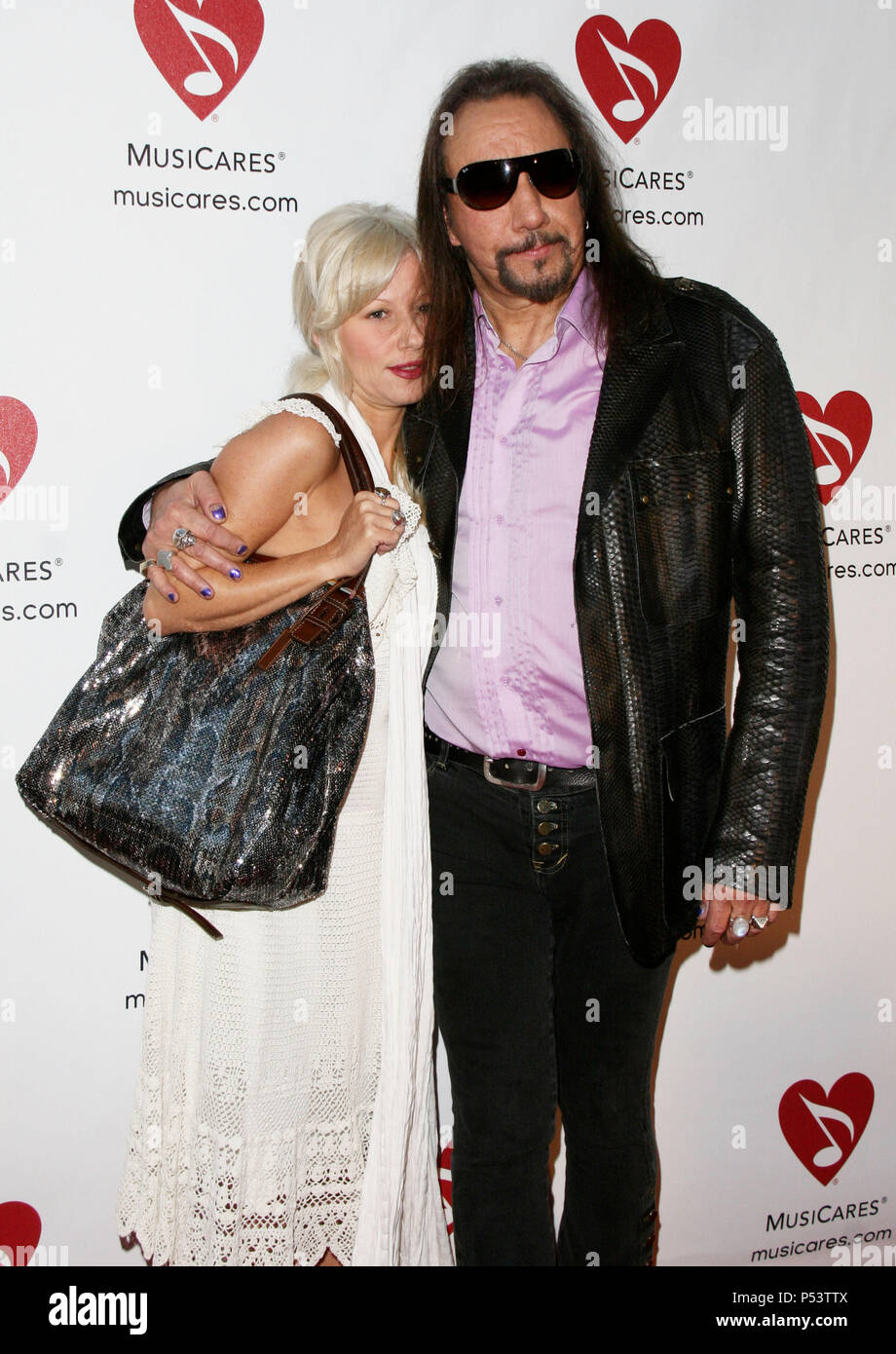 Ace Frehley And Fiance Rachael Gordon 07 Sixth Annual Musicares