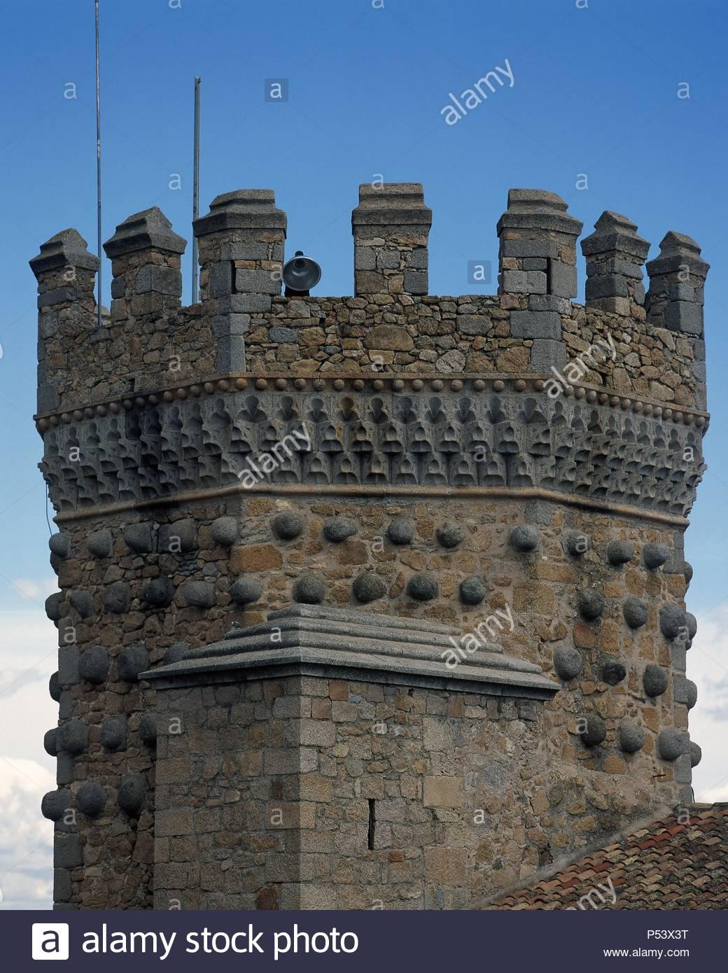 ARTE GOTICO. ESPAÑA. CASTILLO DEL REAL. Construido en el año 1475 ...
