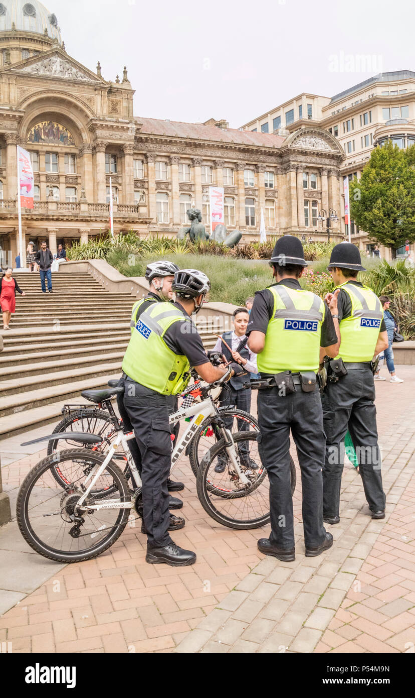 Community policing in Victoria Square, Birmingham, Englans, UK - Stock Image