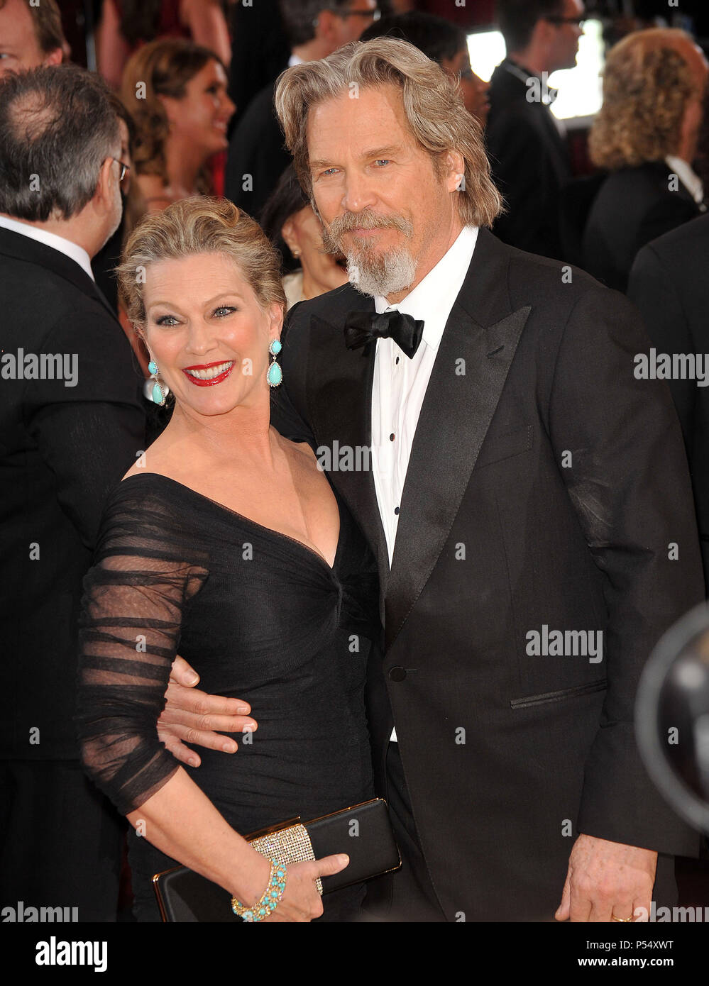 Jeff Bridges and wife 411 - 82nd Academy Awards arrival at ...