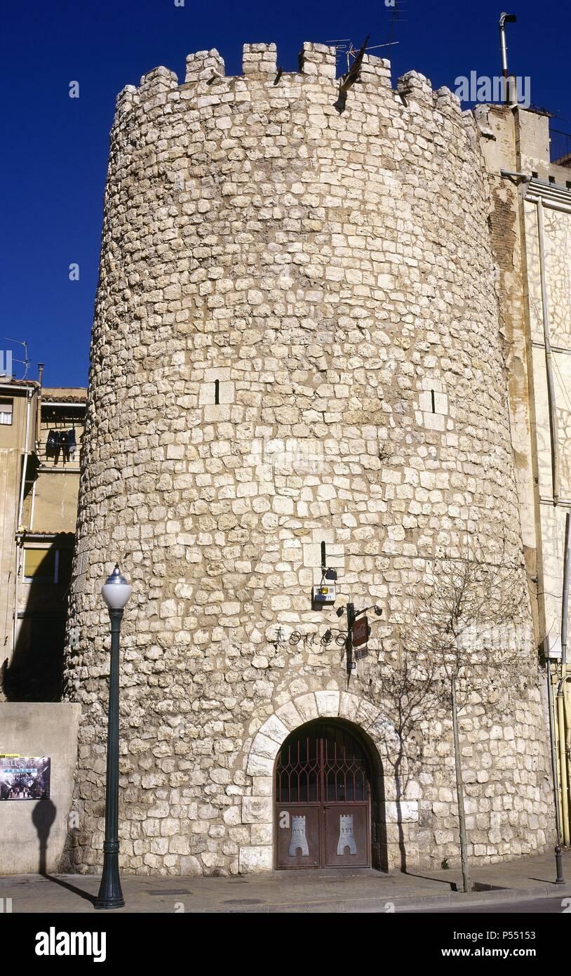 ARAGON. TERUEL. Vista del TORREON DE AMBELES, único resto del Castillo de Ambeles, en la antigua muralla de la ciudad. Declarada en el año 1986 Patrimonio de la Humanidad por la UNESCO. España. - Stock Image