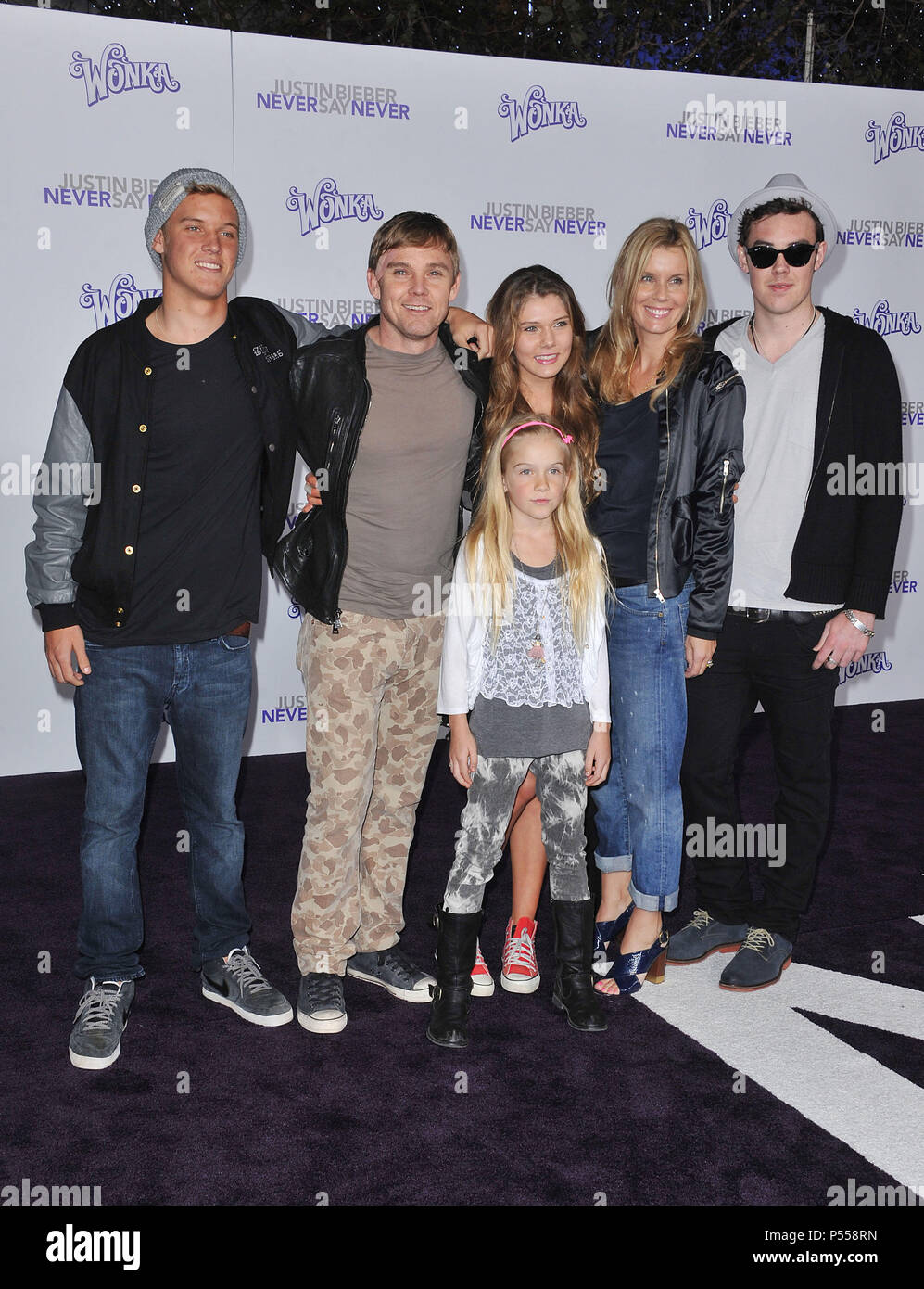 Schroeder Family Stock Photos Images Alamy Ares Maroon Nokha Sneakers Women 36 Never Say Premiere At The Nokia Theatre In Los Angeles Rick