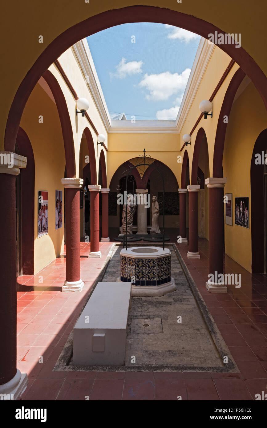the courtyard of casa san pablo, mercado del arte, campeche, mexico - Stock Image