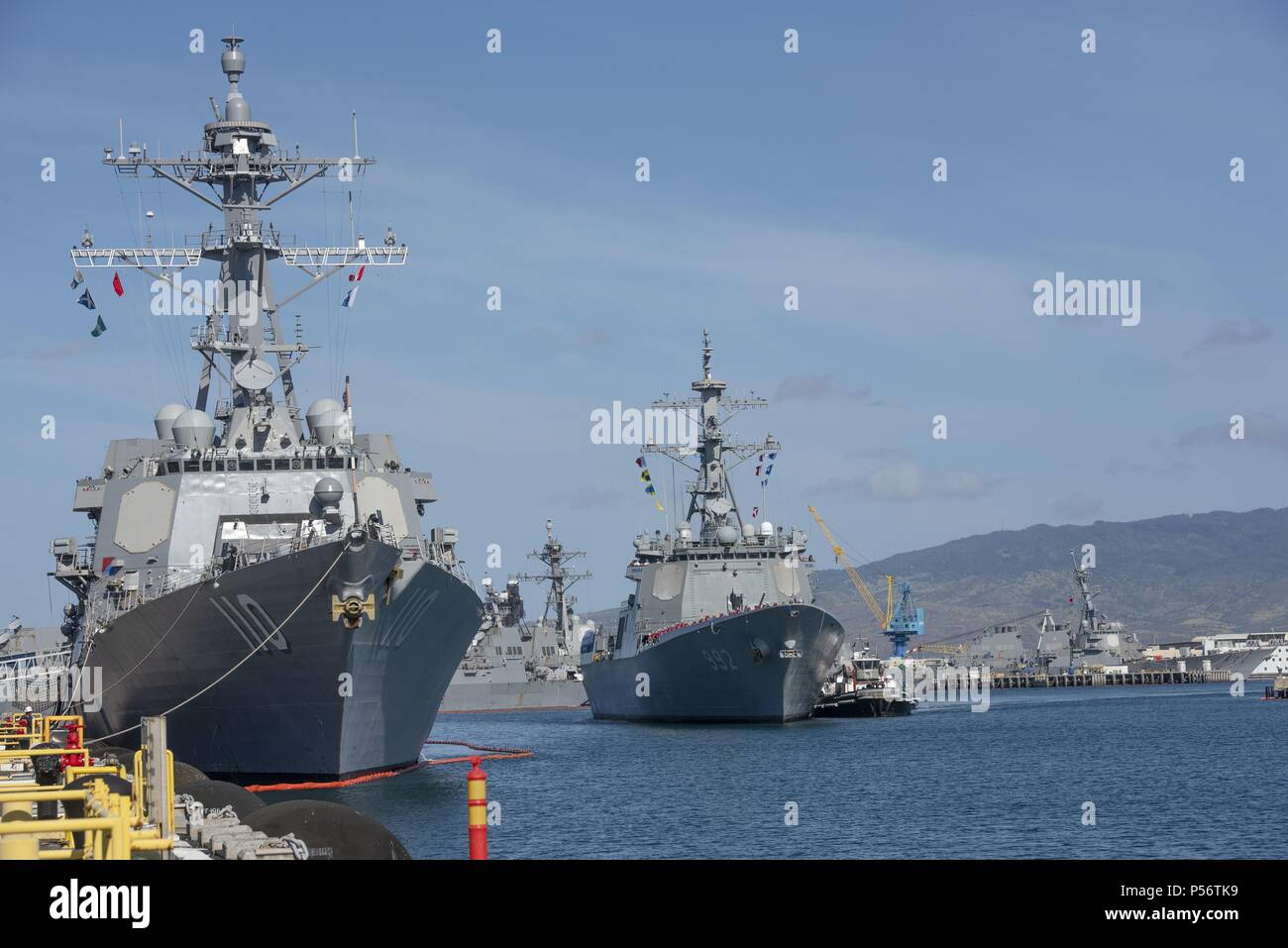 180608-N-QE566-0001 PEARL HARBOR -- (June 8, 2018) The Republic of Korea Navy destroyer Yulgok Yi I (DDG 992) arrives at Joint Base Pearl Harbor-Hickam June 8 in preparation for the ship's participation in the Rim of the Pacific (RIMPAC) Exercise 2018, June 8, 2018. Twenty-six nations, 47 ships, five submarines, about 200 aircraft, and 25, 000 personnel are participating in RIMPAC from June 27 to Aug. 2 in and around the Hawaiian Islands and Southern California. The world's largest international maritime exercise, RIMPAC provides a unique training opportunity while fostering and sustaining coo - Stock Image