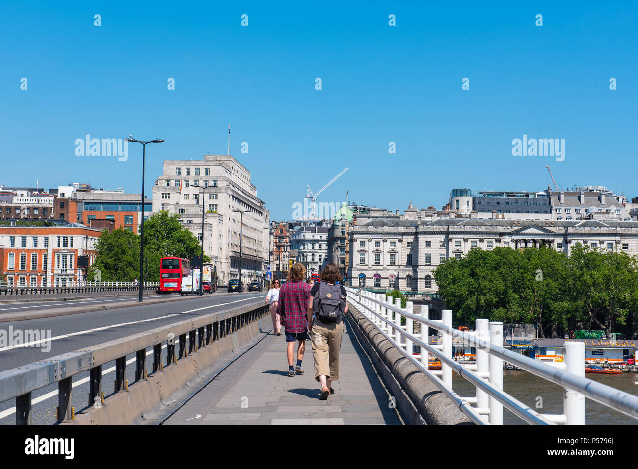 London, UK. 25th June 2018. UK Weather. Hot sun and sweltering heat in Central London. Credit: PQ Images/Alamy - Stock Image