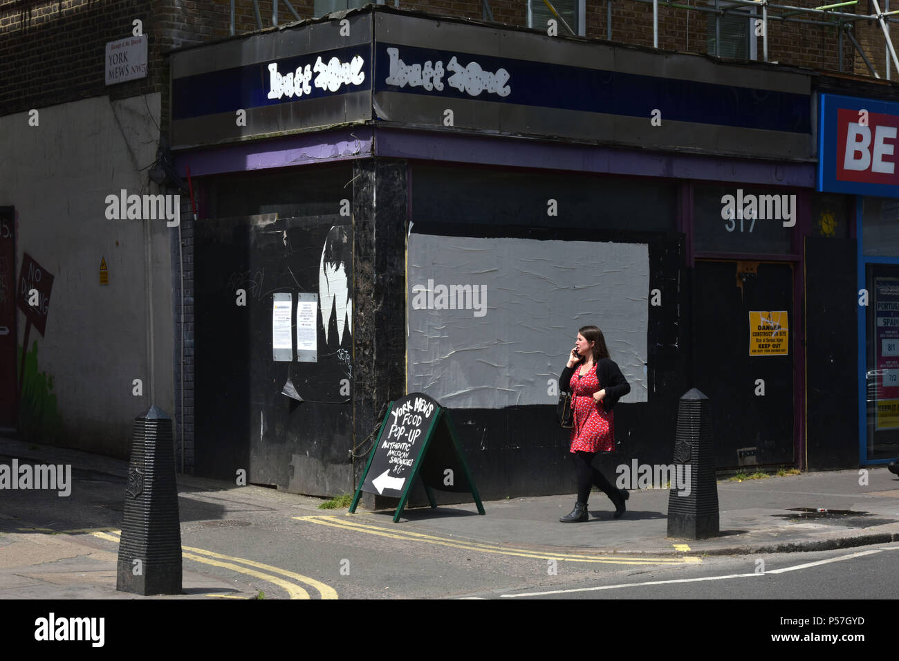 A closed independent shop located on Kentish Town Road, North London, where shops are closing as the high street goes into decline. - Stock Image