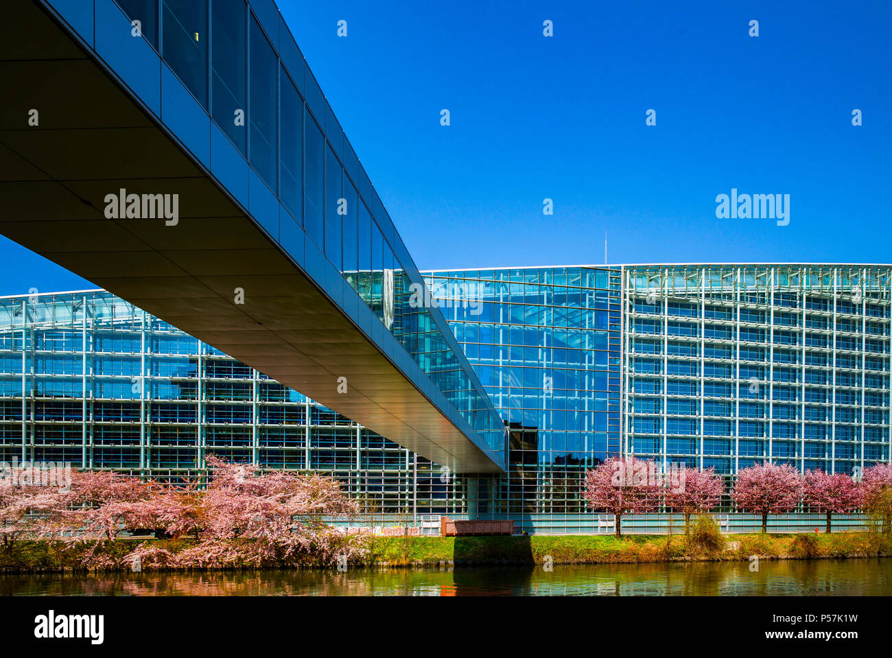 Strasbourg, European Parliament, Louise Weiss building, footbridge over Ill river, Alsace, France, Europe, - Stock Image