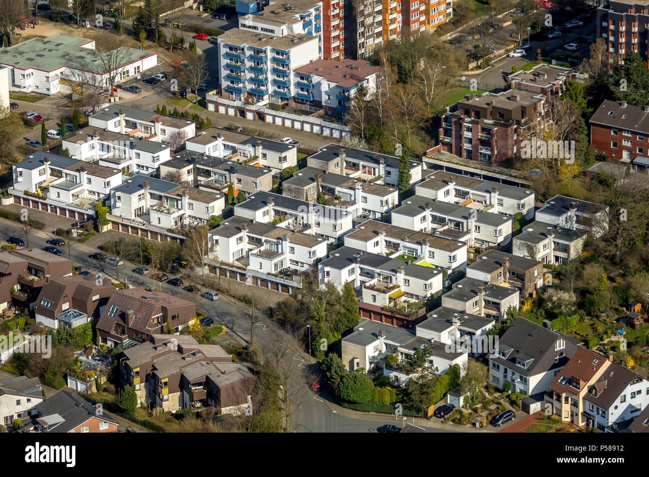 Bungalow settlement Bochum-Querenburg with roof terraces in Bochum in NRW. Bochum, Ruhr area, North Rhine-Westphalia, Germany, Bochum, DEU, Europe, ae - Stock Image