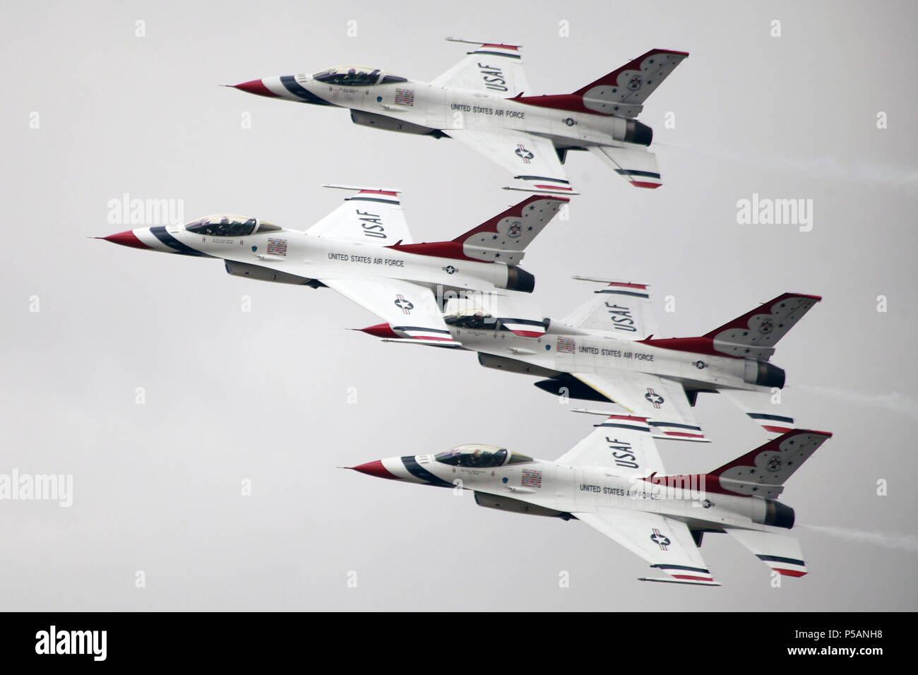 F-16D Falcon. USAF Thunderbirds Display team - Stock Image
