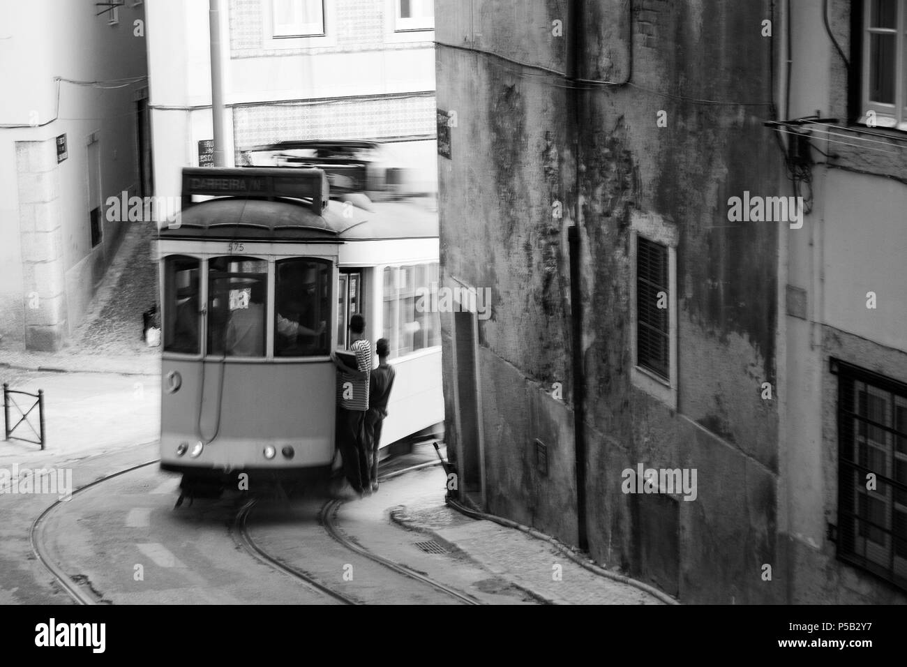 Tranvia en Alfama. - Stock Image