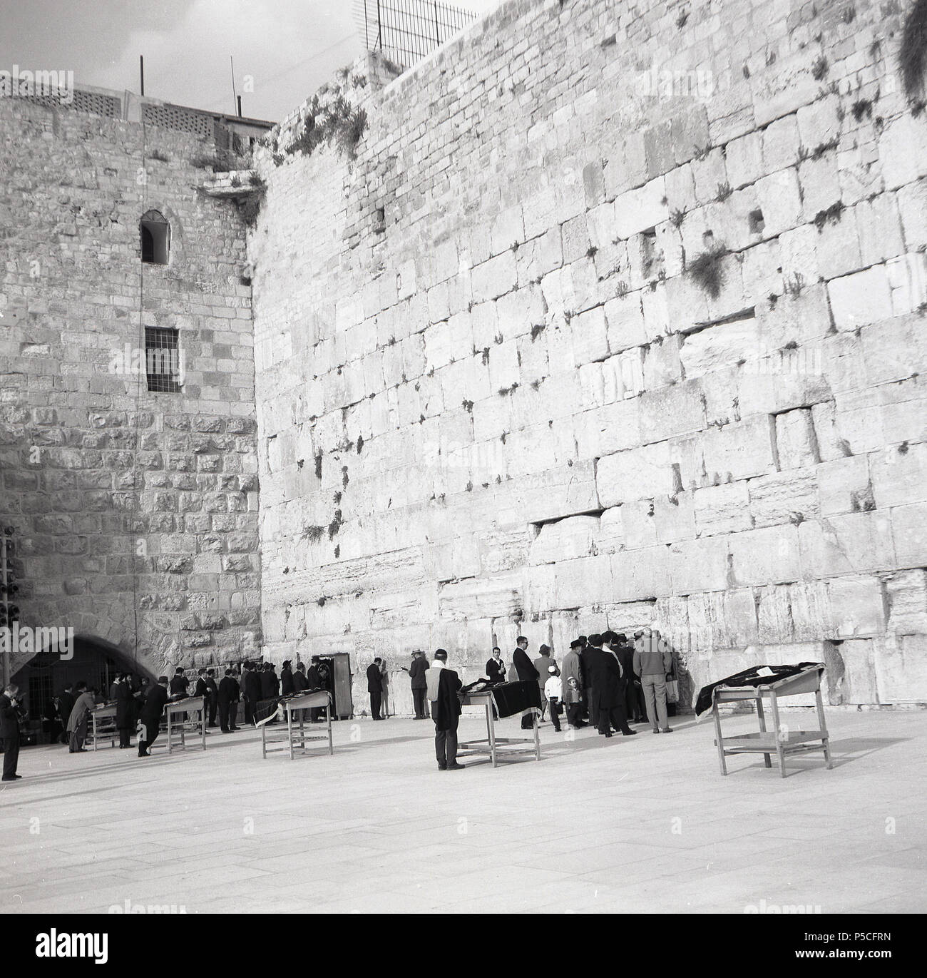 Early 1950s, visitors at the Western Wall in the old City