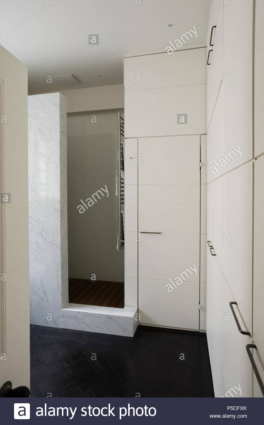 Modern shower cubicle in bathroom Stock Photo: 209873627 - Alamy