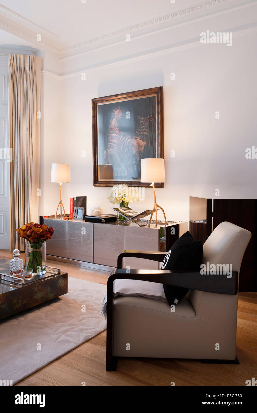 Art deco style living room Stock Photo: 209873748 - Alamy