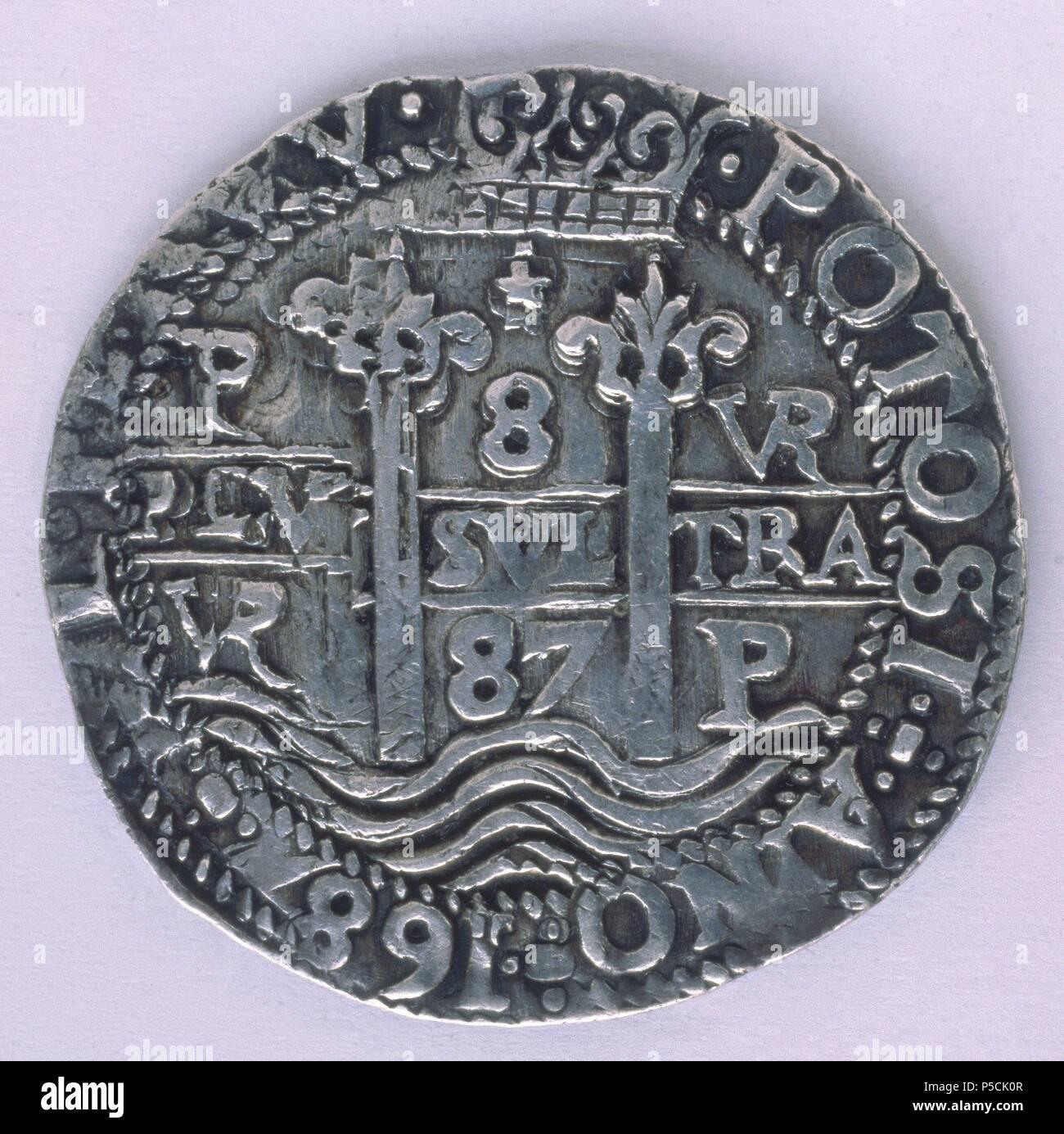 MONEDA DE CARLOS II DE PLATA - REVERSO - REAL DE A OCHO - POTOSI - 1687. Location: FABRICA NACIONAL DE MONEDA Y TIMBRE-COLECCION, MADRID, SPAIN. - Stock Image