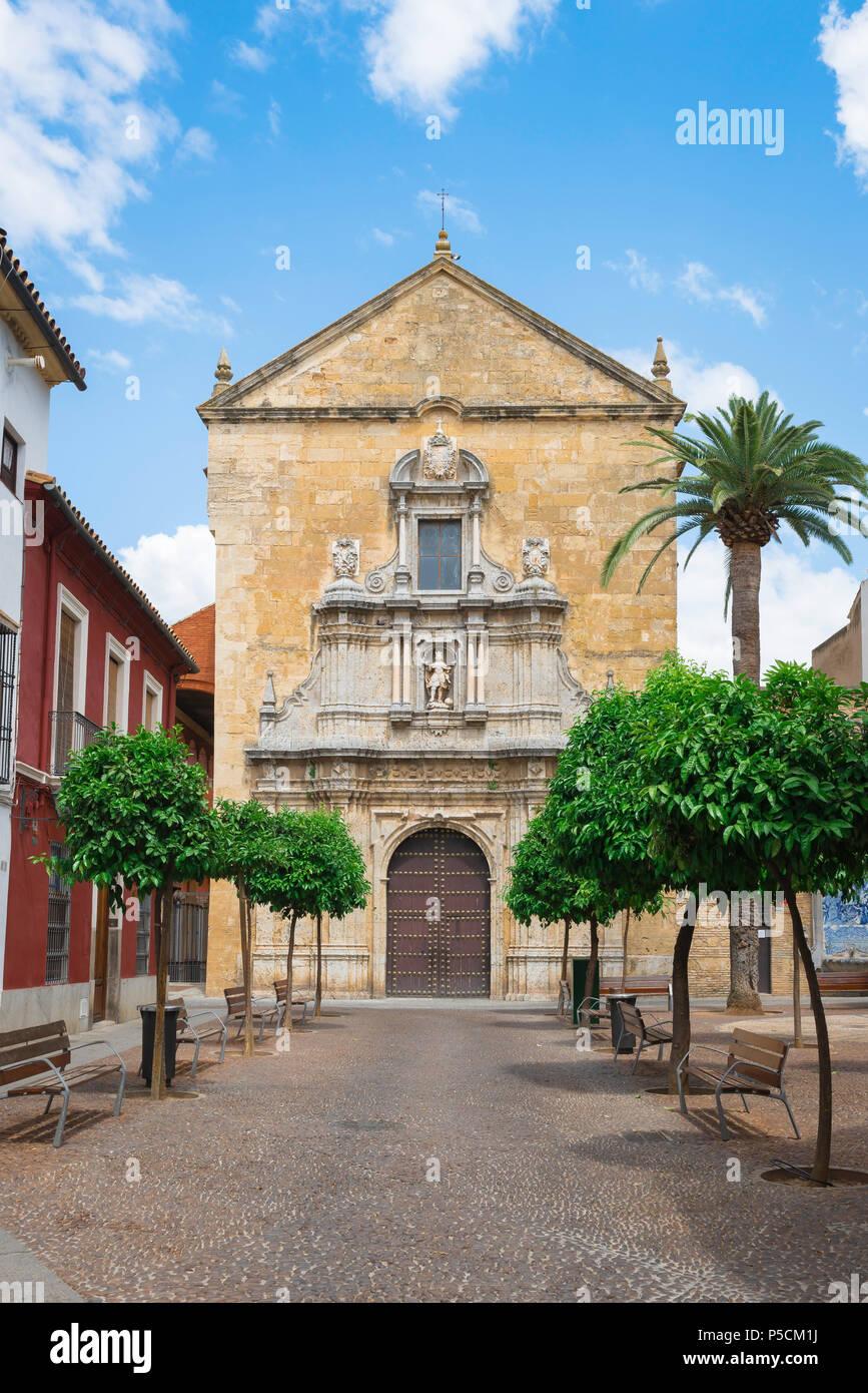 Cordoba church, the west end of the Iglesia de San Francisco showing its Baroque narthex (decorated entrance), Cordoba (Cordova), Andalucia, Spain. - Stock Image