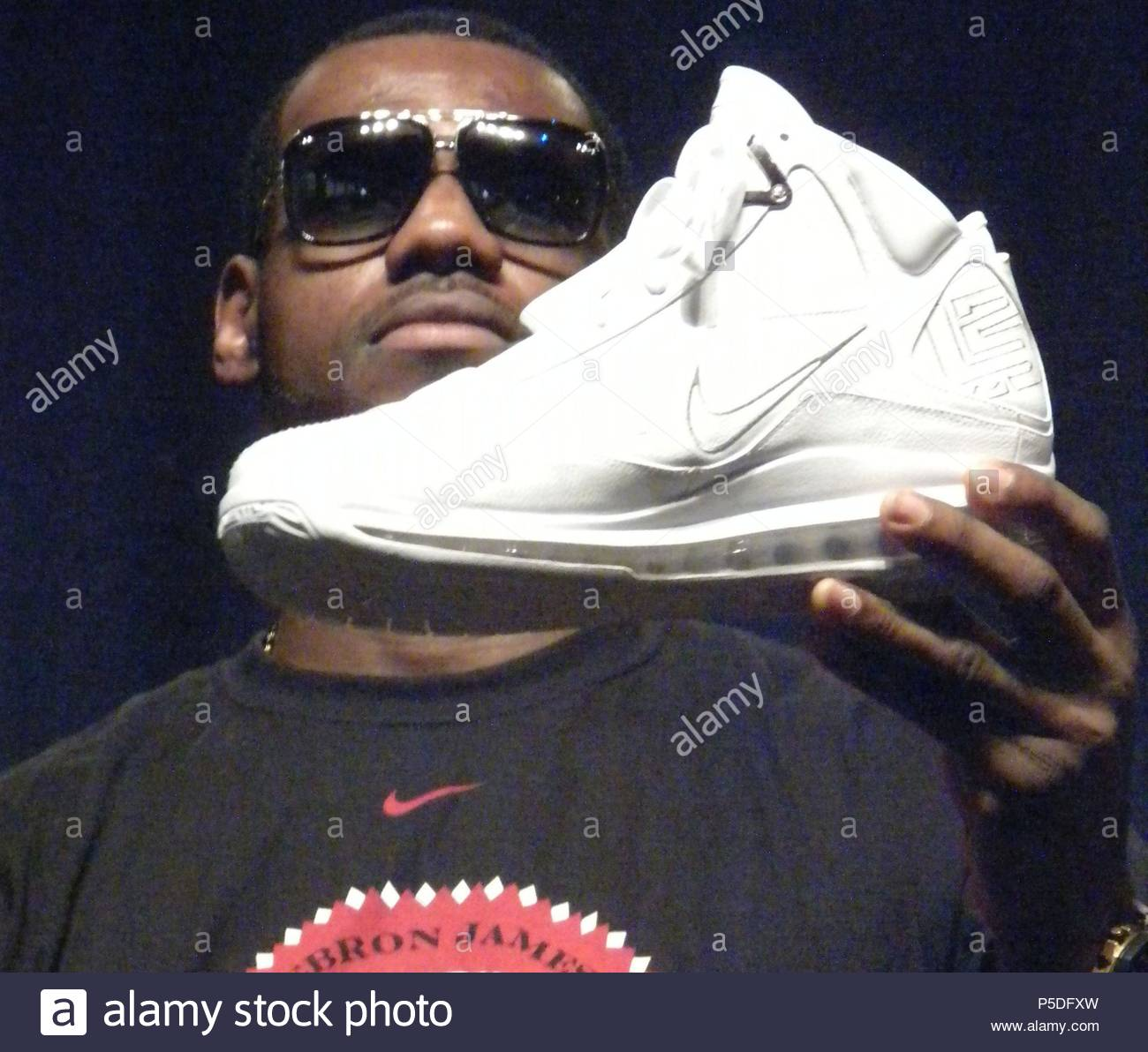 c37594814f72 ... new arrivals lebron james. lebron james signs lifetime endorsement deal  with nike stock image file