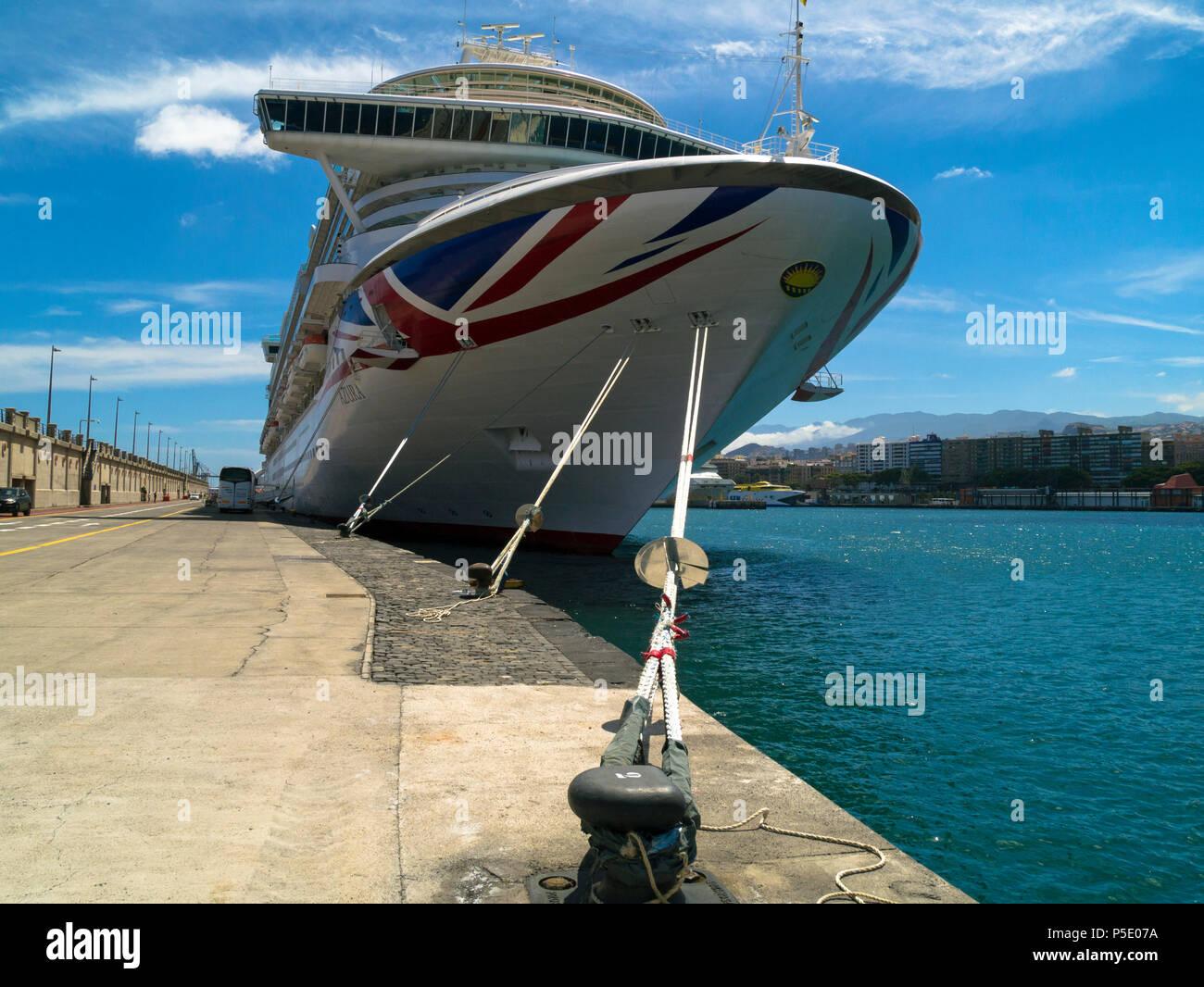 P&O cruise ship Azura in  Las Palmas de Gran Canaria, Canary Islands, Canaries - Stock Image