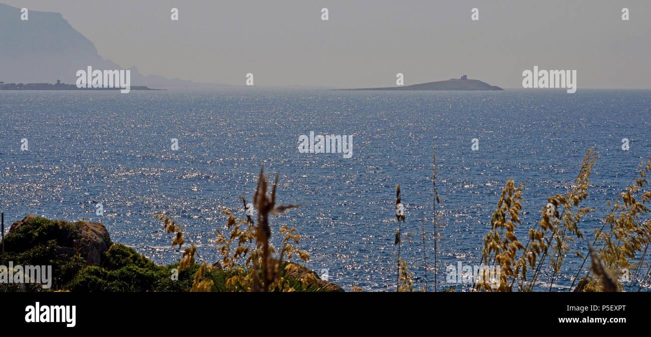 Panoramica con Isola delle femmine - Stock Image