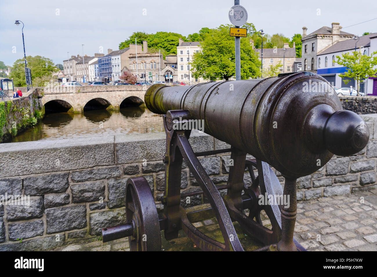 17th Century cast iron cannon on a bridge over the canal at Newry, Northern Ireland. - Stock Image