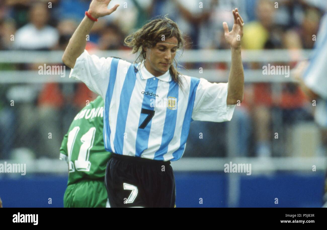 firo Football, 25.06.1994 World Cup 1994 Argentina - Nigeria 2: 1 Claudio CANIGGIA gesture | usage worldwide - Stock Image