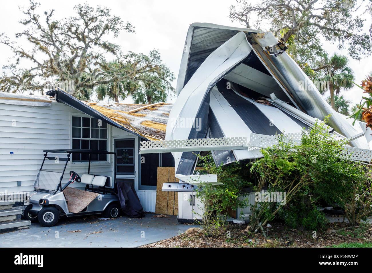 Fort Ft. Myers Florida Alva Oak Park Mobile Home Village after Hurricane Irma storm wind damage destruction aftermath structural damage aluminum sidin - Stock Image