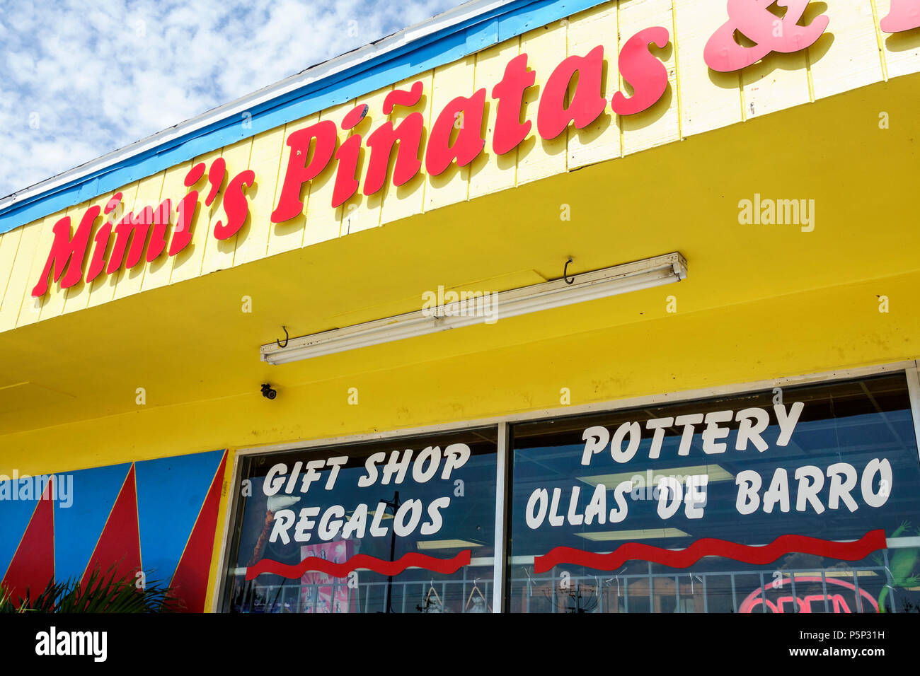 Pinatas Stock Photos & Pinatas Stock Images - Alamy