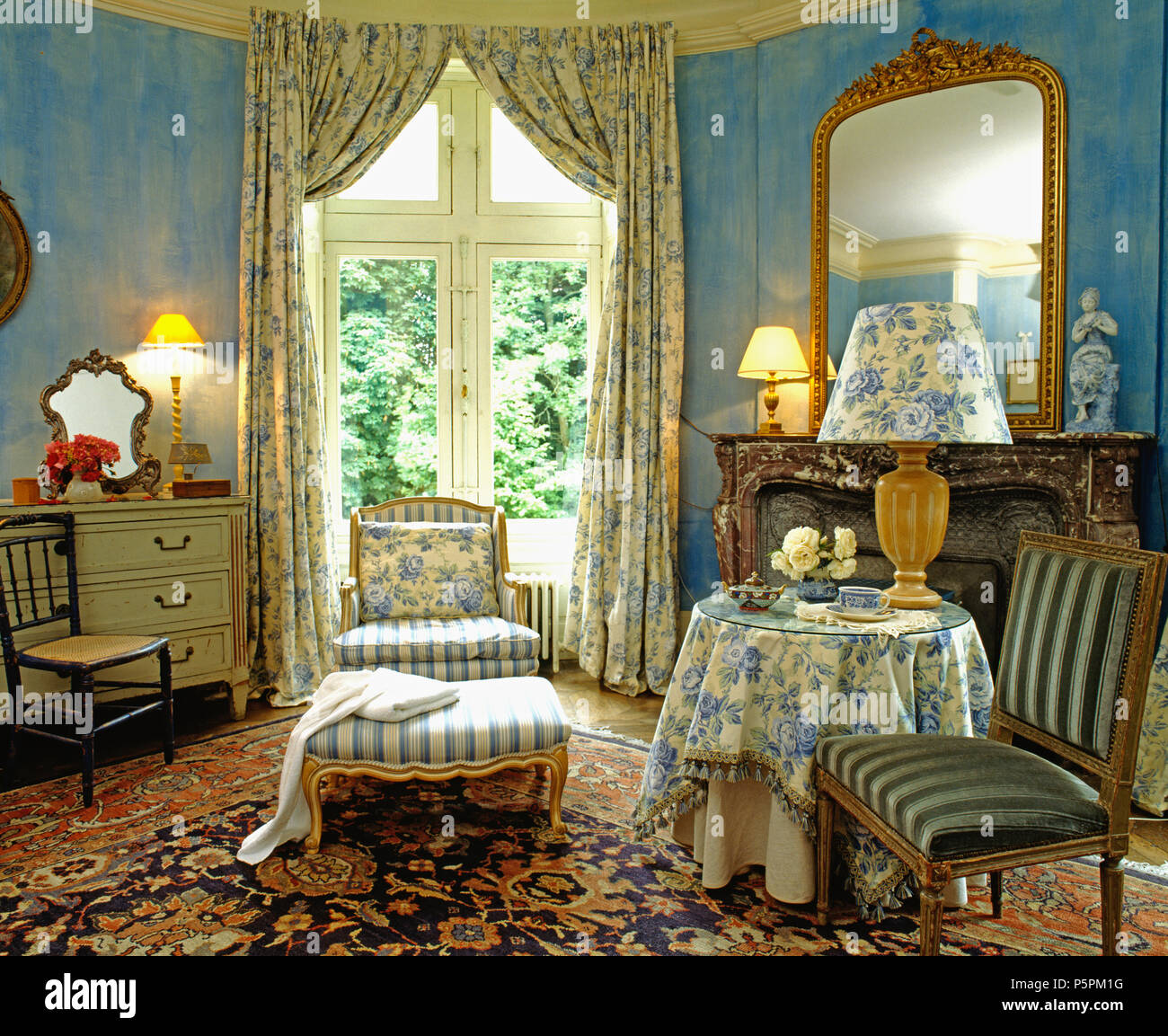 Co-ordinating blue+white curtains with tablecloth and ...
